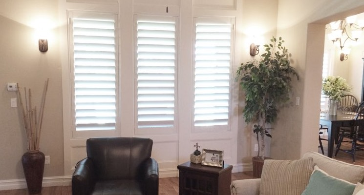 St. George parlor white shutters